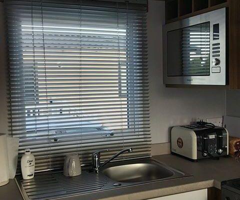 CW107 Kitchen 2