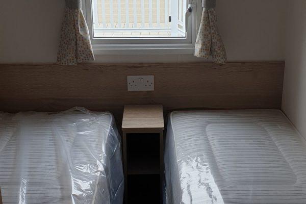 CW118 twin room 1