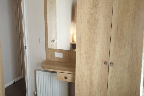 CW59 Main bedroom 1