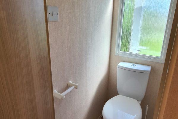 A142 Toilet
